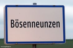Meine Sammlung der lustigsten Ortsschilder Österreichs: witzige Ortstafeln, die mir auf meinen Fahrten durch Österreich unterkommen. #OrtsschilderLustig #ÖsterreichRoadtrip #WitzigeFotos #Witzige Bilder Cinema, Signs, Funny Photos, Places, Shop Signs, Funny, Movies, Movie Theater, Sign