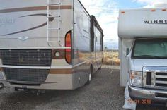 2004 Used Fleetwood Discovery 39S Class A in Nevada NV.Recreational Vehicle, rv, 2004 Fleetwood Discovery 39S, SUPER CLEAN, microwave/convection oven, 3 burner/oven central vacuum washer dryer Norcold 4 dr w/icemaker dual a/cw/heat pump w/slr ultra leather pass seat w/ft rest 7.5 watt gen electric awning free standing dinette 8 way electric seats 2000 watt inverter elec/gas water heater radius roof with ducted a/c skylight tub/shower wood drawers hardwood cabinet doors & drawers cruise…