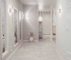 Wednesday mood⭐ Tänään on ollut kiireinen pä… Hallway Decorating, Interior Decorating, Interior Design, Home Interior, Home Bedroom, Bedroom Decor, Small Hallways, Style At Home, Deco Design