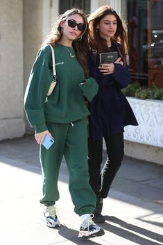 Madison's clothes and outfits. Find out where to buy the exact clothes Madison Beer wore. Madison Beer Style, Madison Beer Outfits, Celebrity Outfits, Celebrity Style, Stylish Outfits, Winter Outfits, Maddison Beer, Queen, Star Fashion