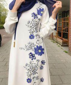 Abaya Fashion, Modest Fashion, Fashion Dresses, Casual Dresses, Muslim Women Fashion, Islamic Fashion, Hijab Dress, Blouse Dress, Dress With Cardigan
