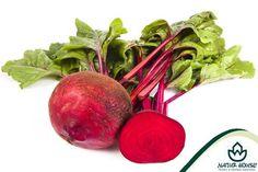 """Kolory warzyw. Co oznaczają?  Warzywa czerwone są przeciwutleniaczami. Ich spożywanie wpływa na zmniejszanie ryzyka nowotworów oraz opóźnia procesy starzenia. Owoce i warzywa należące do tej grupy warto jeść, ponieważ wzmacniają naczynia krwionośne i wspomagają pracę serca. Do """"czerwonych"""" zaliczamy m. in. czerwoną paprykę, buraki, pomidory, truskawki, maliny i arbuzy."""