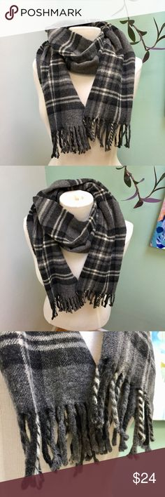 Vintage Wool Grey Black and White Plaid Scarf This is a beautiful vintage wool scarf in black and white plaid. It's a nice thick texture with adorable fringe - a completely classic look. In excellent condition, and super warm! Vintage Accessories Scarves & Wraps