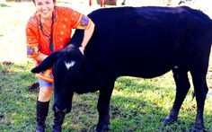 This Incredible Woman is on a Mission to Convert Her Husband's Cattle Ranch Into a Farm Sanctuary (Rowdy Girl Sanctuary in TX)