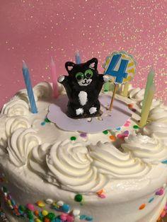handmade cat cake topper free shipping polymer clay kitty cat birthday wedding caketopper animal sculpture  cat lover pet lover ornament by KatzenKlaa on Etsy https://www.etsy.com/listing/238234693/handmade-cat-cake-topper-free-shipping