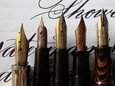 Leigh Reyes' Guide to flex nibs. How to find pens with flexible nibs, flexy nibs, flex nibs, wet noodle. #fountain #pens
