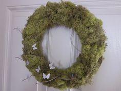 http://embellishinglifeeveryday.blogspot.com/2011/03/spring-wreath.html