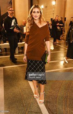 Fotografia de notícias : Olivia Palermo attends the Christopher Kane show...