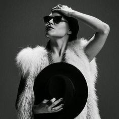 3 ans après son formidable album, The Absence, Melody Gardot, 30 ans, revient avec son nouvel opus, Currency Of man, qui sera dans les bacs le 1er juin 2015. Pour nous faire patienter elle nous propose de découvrir le premier extrait de ce disque, Same...