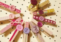 Ever since I'm obsessed with buttons again, I browse around Etsy for inspirations in using buttons for my crafts. So I bought a pack of wooden clothespin in 100 yen shop, the quality isn& Clothespin Magnets, Wooden Clothespins, Wooden Pegs, Dyi Crafts, Crafts For Kids, Arts And Crafts, Clothes Pegs, Clothes Crafts, Diy Projects To Try