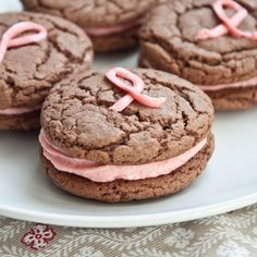 These would be SO cute for a Breast Cancer Awareness bake sale. They're adorable.