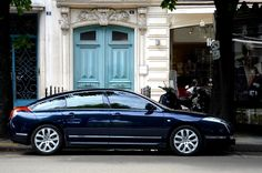 Bluetiful design... | Citroën C6 3.0 HDI V6 in Paris. Modern… | Flickr