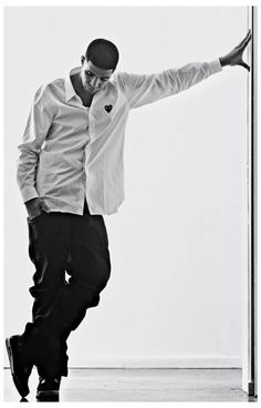 A great portrait poster of Aubrey Graham - a.k.a. Hip Hop superstar Drake! So Smooth! Ships fast. 11x17 inches. Need Poster Mounts..?