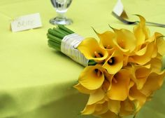 yelow calla lily bouquet