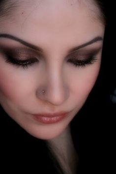 Make-up Artist Me!: Romantic Smokey Eye- Valentines Day make-up look #1