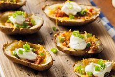 Pečené zemiaky plnené syrom a slaninou