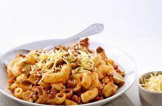 Macaroni met gehakt, champignons en oude kaas