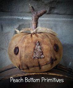Primitive~Grungy Extreme Little Pumpkin Jack Sitter Fall Halloween Primitive Fall Crafts, Primitive Pumpkin, Pumpkin Crafts, Primitive Autumn, Primitive Christmas, Cowboy Christmas, Primitive Patterns, Primitive Snowmen, Country Crafts