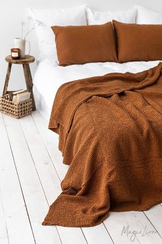 Waffle linen blanket in Cinnamon. Linen bed throw in King, Queen sizes. - Waffle linen blanket in Cinnamon. Bedroom Inspo, Home Bedroom, Bedroom Decor, Bedrooms, Bedroom Ideas, Ikea Bedroom, Design Bedroom, Waffle Blanket, Boho Living Room