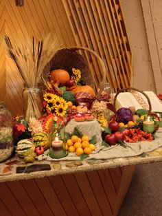 Popular Fall Home Decor Tips selected just for you Fall Church Decorations, Harvest Decorations, Fall Decor, Diy Thanksgiving Crafts, Thanksgiving Centerpieces, Altar Design, Church Design, Alter Decor, Church Flowers