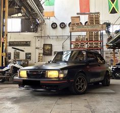Saab 900 Classic in beast mode. Photo made by Saabclassics and @xeleon