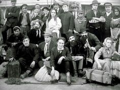 A fascinating production photo from the filming of Charlie Chaplin's THE IMMIGRANT ('17) that's making the rounds on FB. Besides Charlie in his civvies in the crowd are James T. Kelly, Kitty Bradbury, John Rand, Loyal Underwood, Albert Austin, William Gillespie, Frank J. Coleman, and Leota Bryan.