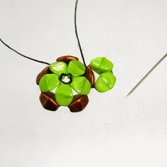 * Spirala beading: Beaded Pinch-Flower Dodecahedron Module