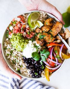 20 Rice Bowl Ideas for Quick Weeknight Dinners purewow easy food dinner recipe 544583779942268515 Clean Eating, Healthy Eating, Healthy Weeknight Dinners, Dinner Bowls, Cooking Recipes, Healthy Recipes, Quick Recipes, Summer Recipes, Healthy Foods