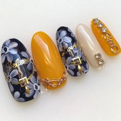 春/ハンド/ワンカラー/ビジュー/フラワー - ふりるのネイルデザイン[No.3986217]|ネイルブック Acrylic Nails Nude, Nude Nails, Flower Nail Designs, Diy Nail Designs, Feet Nails, Flower Nails, Spring Nails, Beauty, Vanity