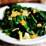 Spinach with Garlic Chips . Garlic is the best! Garlic Spinach, Sauteed Spinach, Fried Spinach, Fresh Garlic, Roasted Garlic, Ree Drummond, Spinach Recipes, Vegetable Recipes, Veggie Dishes