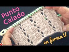 (click SHOW MORE to see instructions or on the little arrow on the right to expand on mobile devices). The bamboo stitch is a very intricate, yet simple stitch with a diagonal pattern. So interesting and highly decorative. Lace Knitting Patterns, Knitting Designs, Knitting Stitches, Hand Knitting, Knitting Needles, Knitting Videos, Crochet Videos, Chevron, Honeycomb Stitch
