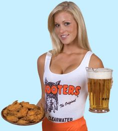 Hooter's Hot Wings and beer.  A match made in Heaven.