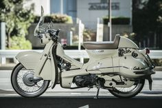 Fantastic Super cars photos are available on our web pages. Classic Honda Motorcycles, Cars And Motorcycles, Custom Bikes, Custom Cars, Motogp Valentino Rossi, Honda Cub, Motorcycle Art, Classic Motorcycle, Motor Scooters