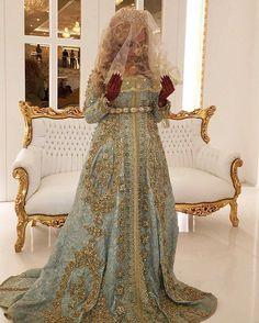 "1,016 Likes, 6 Comments - Maghreb & Oriental Luxury (@maghreb.oriental) on Instagram: ""@jamilastrassdelux #caftan#takshita #beldi #maroc #mariage #mariagemarocain #morocco…"""