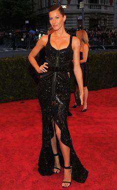 Revisa la galería completa de la gala del MET 2012 que se realizó ayer en New York.   Vía Vogue.es