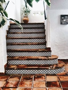 spanish style homes (spanish home design ideas) Tags: Interior spanish homes exterior Interior spanish homes spanish homes decor modern spanish homes spanish home plans Spanish Style Homes, Spanish House, Spanish Tile, Spanish Design, Spanish Style Decor, Spanish Bathroom, Spanish Garden, Spanish Colonial, Modern Spanish Decor