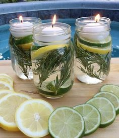 Summer Mason Jar Luminaries - These are not only easy and beautiful they are also a chemical free DIY Bug Repellent! Pot Mason Diy, Mason Jars, Mason Jar Herbs, Keep Bugs Away, Pot Pourri, Citronella Candles, Deco Floral, Floating Candles, Deco Table