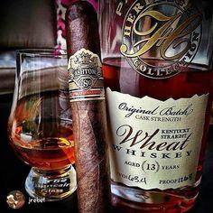Aston cigar and whisky. Good Cigars, Cigars And Whiskey, Bourbon Whiskey, Ashton Cigars, Rum, Cigar Art, Cigar Humidor, Alcohol, Pipes And Cigars