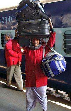 Station baggage handler