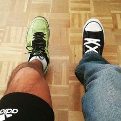 #Dilema: la pierna derecha quiere quedarse en casa viendo la televisión y la pierna izquierda quiere salir a #correr. #DespiertayEntrena #Despierta #Entrena #Madrid #bienestar #salud #runner #running #deportivas #wellness #fitness #deporte #entrenamiento #entrenamientopersonal #entrenador #rutina #workout #fb #piernas #sinpereza