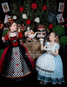 NO HALLOWEEN Delivery Queen of Hearts Costume Dress por EllaDynae