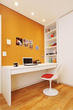 Escritórios pequenos em casa Home Office, New Room, Corner Desk, Furniture, Design, Home Decor, Instagram, Tiny House Office, Small Space Office
