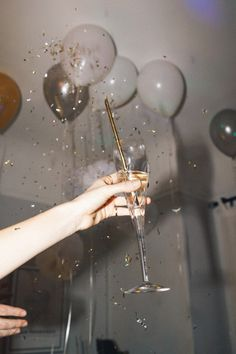 Design Quixotic - urbanoutfitters: About A Girl: Jess Hannah Glitter Party, New Years Party, New Years Eve, 21st Birthday, Girl Birthday, Birthday Girl Quotes, Birthday Weekend, Birthday Wallpaper, A Little Party