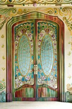 Art Nouveau Door in the Casa Comalat, Barcelona 1911 by Salvador Valeri i Pupurull