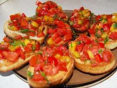 9 Retete de bruschette Empanadas, Vegan Vegetarian, Vegetarian Recipes, My Recipes, Cooking Recipes, Cherry Sauce, Sandwiches, Frozen Chocolate, Bruschetta