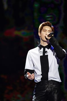 SMTOWNNOW update ------- SUHO ( EXO PLANET #2 – The EXO'luXion – in CHONGQING )
