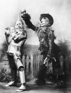 Fred Stone & David C. Montgomery in the 1902 musical stage production of The Wonderful Wizard of Oz. Description from pinterest.com. I searched for this on bing.com/images
