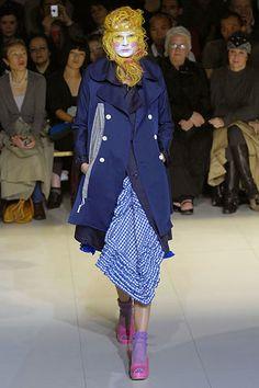Comme des Garçons Spring 2008 Ready-to-Wear Fashion Show - Yvonne Eriksen (CITY)