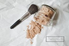 DIY dry shampoo for dark hair: 2 tablespoons corn starch, 1/3 cup cocoa powder, old makeup brush, a few drops of essential oil *optional