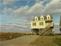4 Bedrooms, 3.2 baths (2K,D,P) The unobstructed ocean views at this home will make it feel like it's Almost  Heaven. Enjoy your favorite morning ...